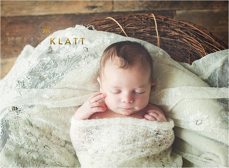 Newborn Pictures in Minnesota  |  Minneapolis Newborn and Baby Photography